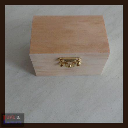 Ajándék doboz egyedi mintával