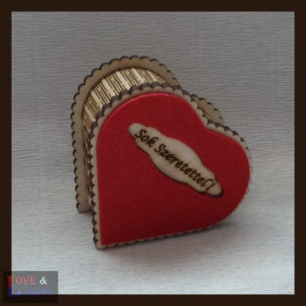 Szív alakú ajándék doboz egyedi mintával