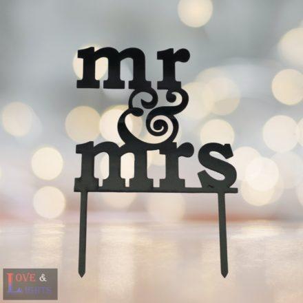 Mr & Mrs feliratos tortadísz