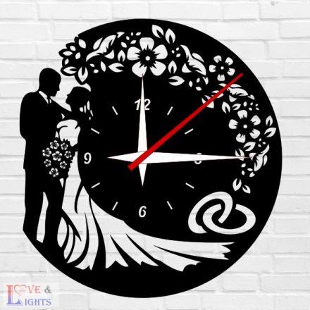 Esküvős óra virág mintával