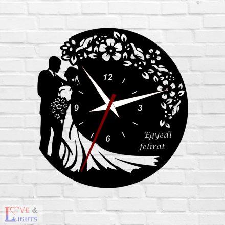 Esküvős óra virág mintával, egyedi felirattal