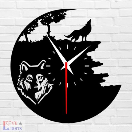 Vonyító farkas mintás fali óra