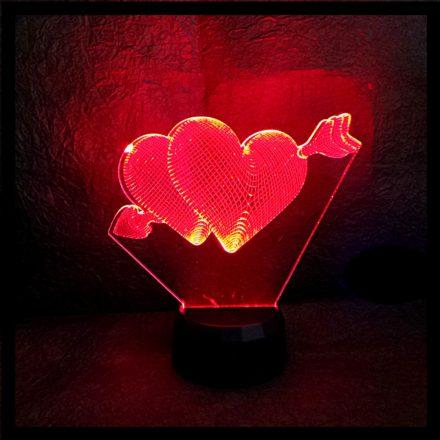 Szívek nyíllal mintás illúzió lámpa