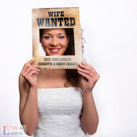 """""""Feleséget keresek"""" - vicces keret fotózáshoz"""