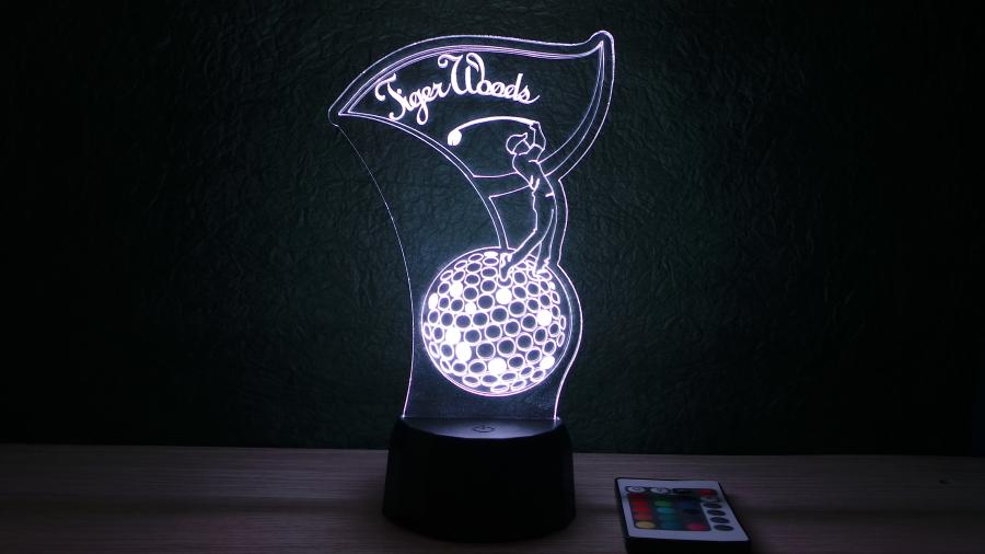 Golfozó mintás 3D illúziós lámpa egyedi felirattal, különleges ajándék a golf szerelmeseinek