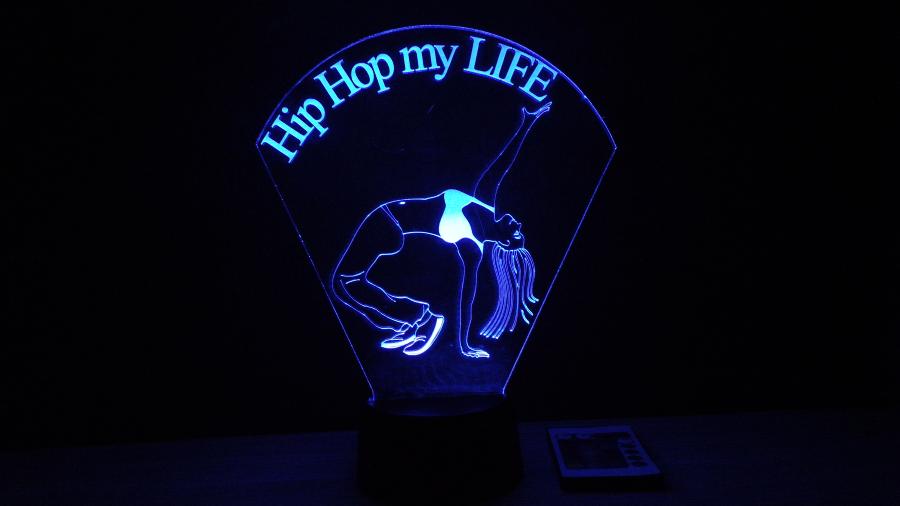 Hip Hop táncos lány- kérhető felirattal-egyedi ajándék- 3d illúzió lámpa-love and lights
